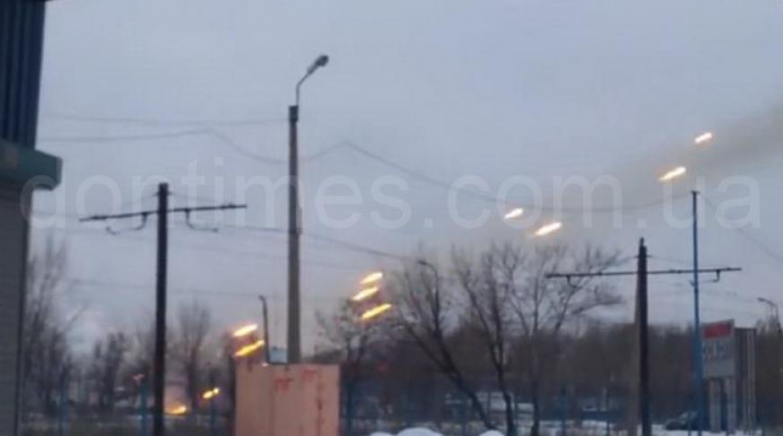 обстрел донецкого аэропорта Градами