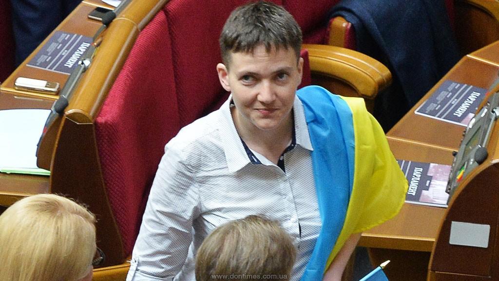 Савченко собралась ночевать под Администрацией президента