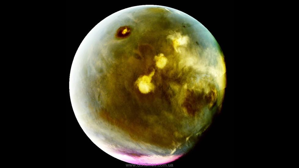 Облака над вулканами иультрафиолетовое свечение Марса: видео NASA